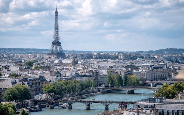 Vue sur la Tour Eiffel d'où démarre le GR22