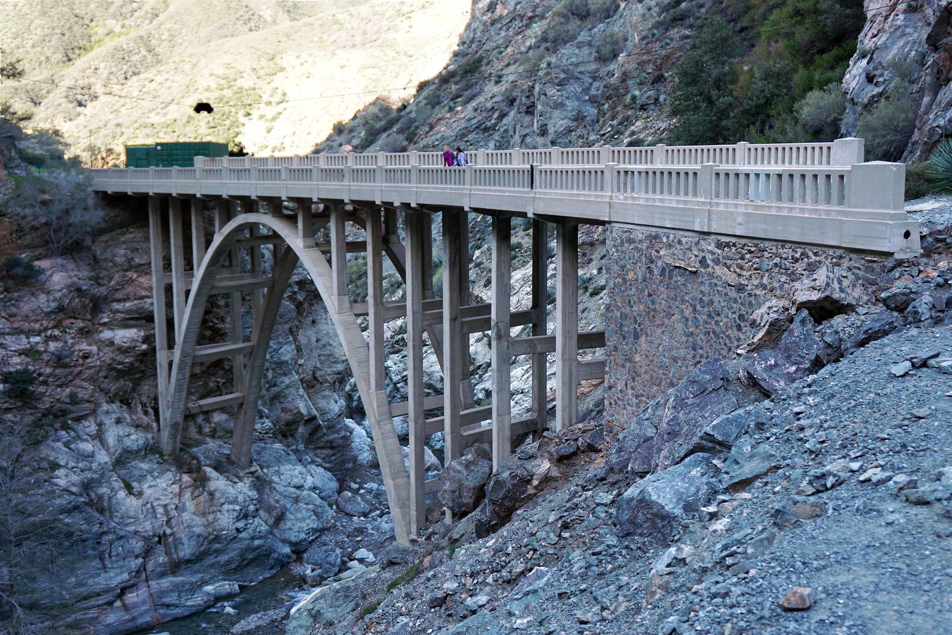 Photos: Bridge to Nowhere (San Gabriel Mountains, Azusa CA)