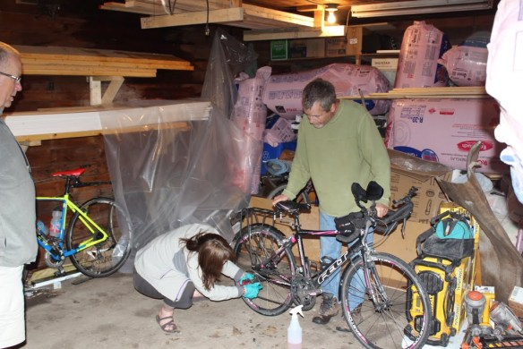 """""""Uncle"""" Phil helps Sue with a bike tune-up Click the photo for more from the rest day at Phil's"""