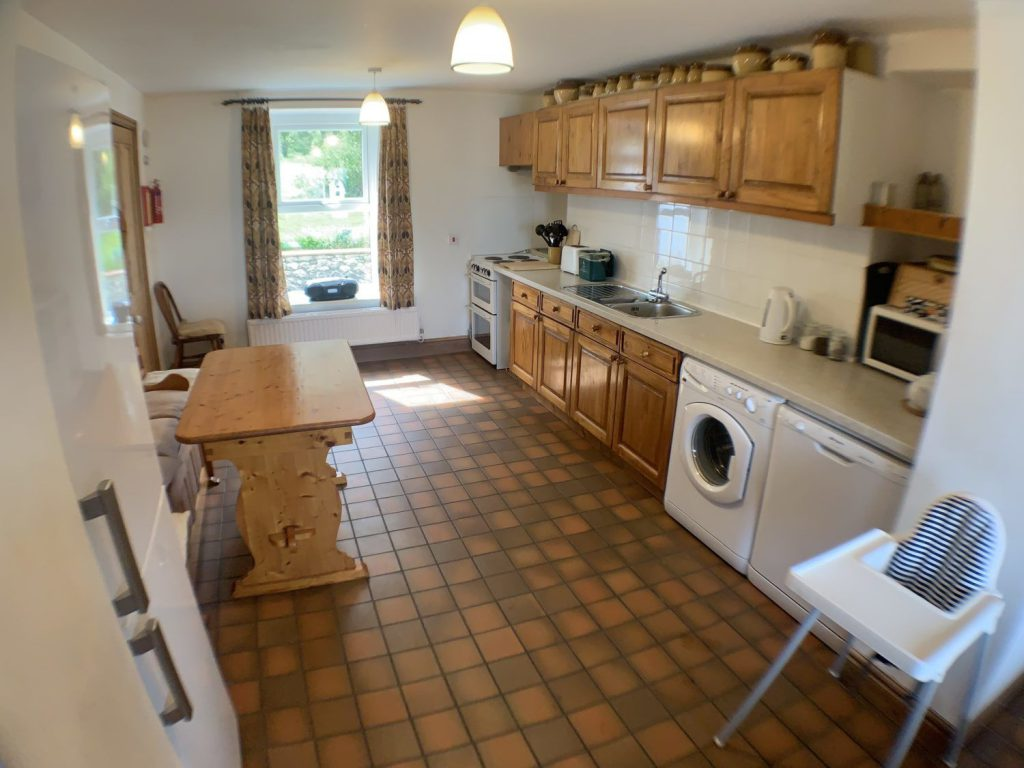 Gower Self Catering Holiday Cottage kitchen