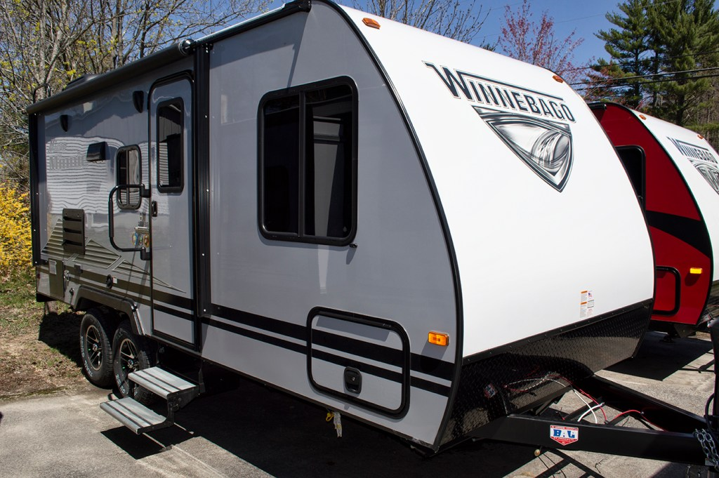 2020 Winnebago Micro Minnie 2108FBS – CALL FOR PRICING! Image