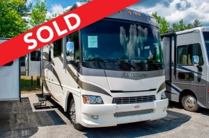 - SOLD! - 2009 Winnebago Adventurer 32H Image