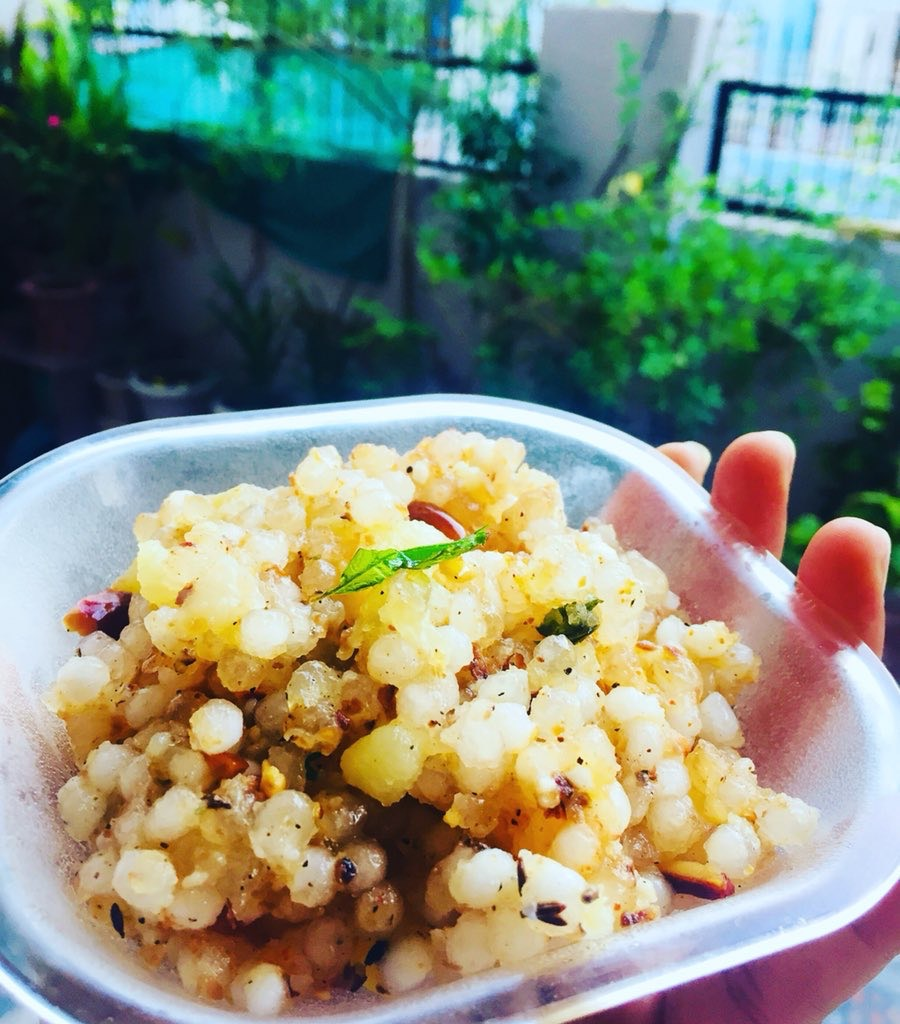 vrat me khane wali tasty sabudana khichadi ki recipe in two ways