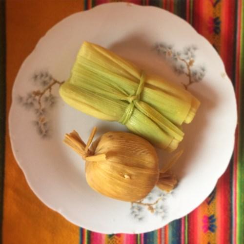 Humita y tamal, preparaciones típicas del norte argentino y sus alrededores.