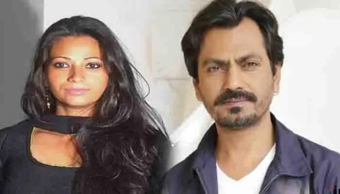 Nawaz and aaliya divorce on whats app
