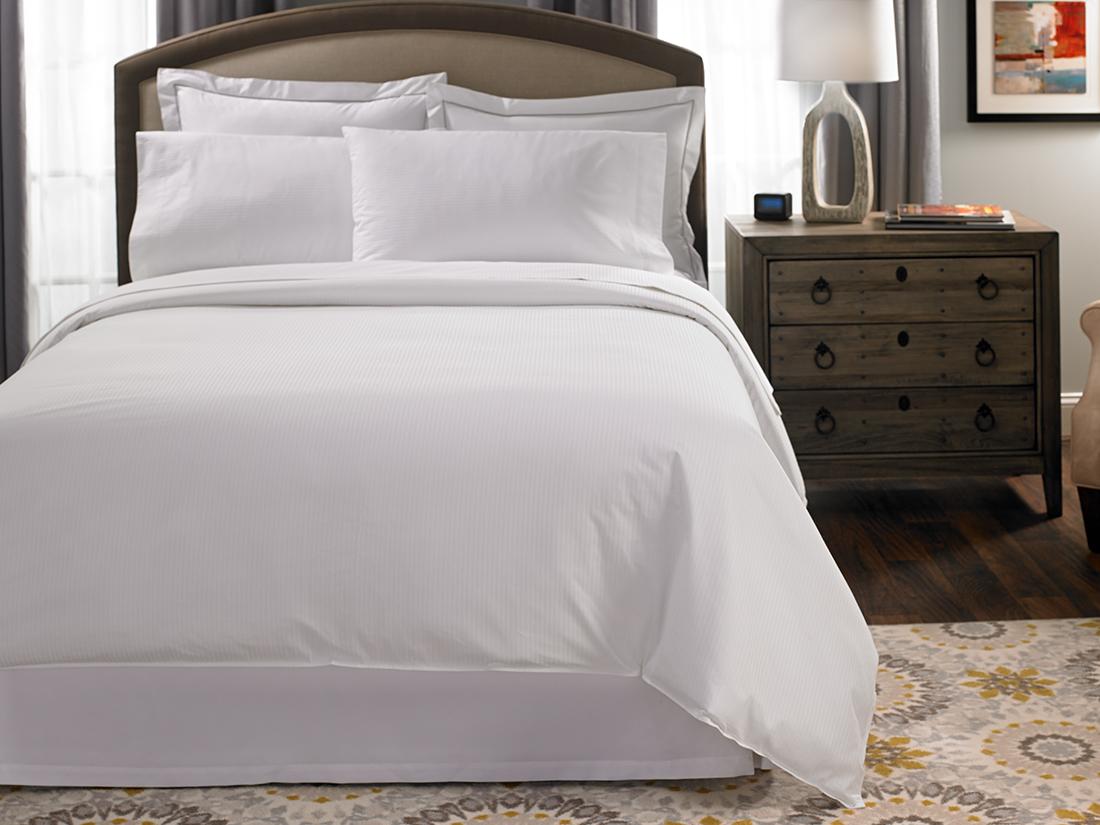 Hotel Stripe Bed Amp Bedding Set Hilton To Home Hotel