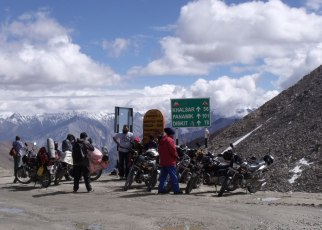 Leh Ladakh Travel Guide 2020 :Lets Get Lost In Landscapes 3