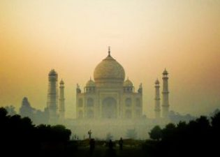 5 Overcrowded Indian Tourist Destinations To Avoid In 2020! 2