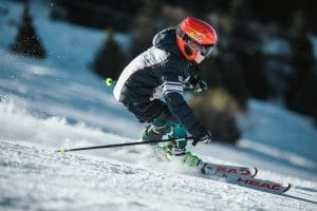 Skiing in India, and its destinations.