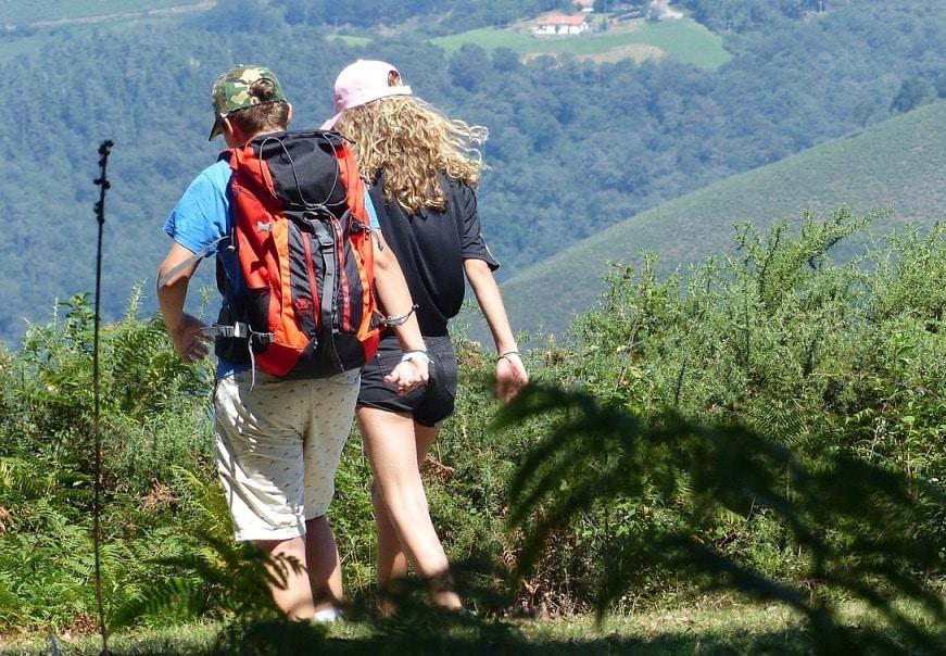 hikers-2632522_1280