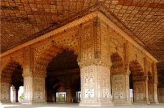 red fort diwan-i-khas inside