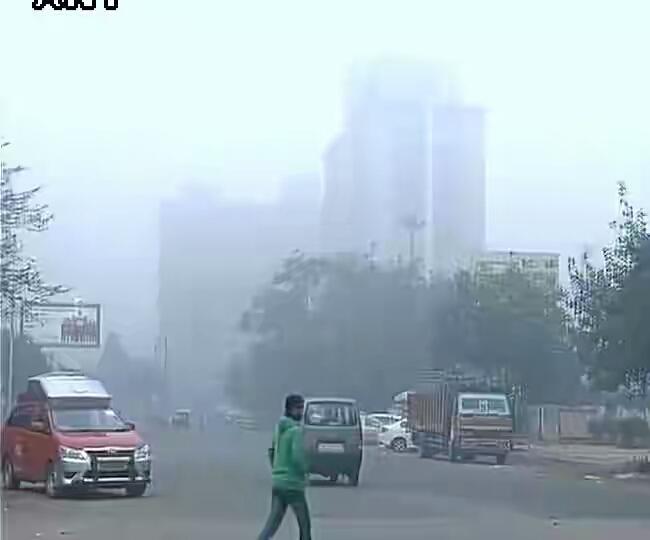 फोटो~नई दिल्ली के नहरु प्लेस इलाके में फायरिंग के दौरान का नजारा
