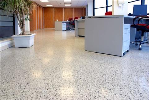 sol terrazzo granito rev tement de sol en marbre classement u4p4 sol en r sine himfloor. Black Bedroom Furniture Sets. Home Design Ideas