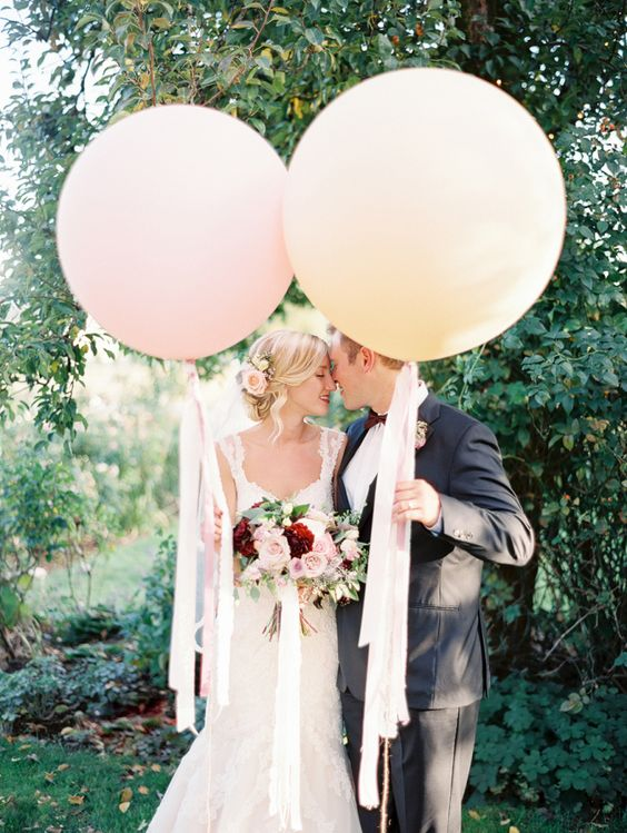 100 Giant Balloon Photo Ideas for Your Wedding  Page 8  Hi Miss Puff