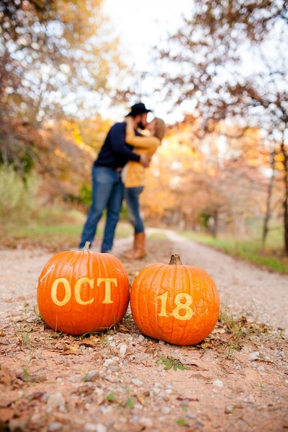 50 Fall Save the Date  Engagement Photo Ideas  Page 5