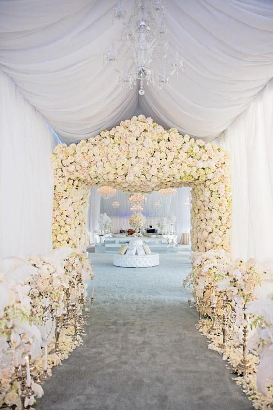 60 Prettiest Wedding Flower Decor Ideas Ever No Really   Hi Miss Puff