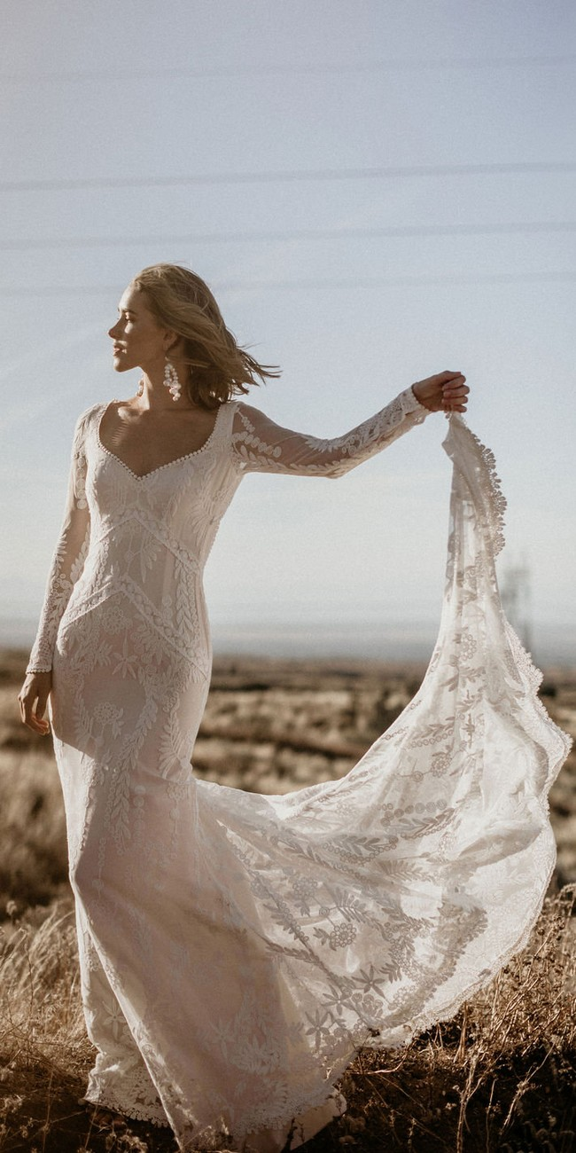 Backless Long Sleeves Cotton Lace Wedding Gown3