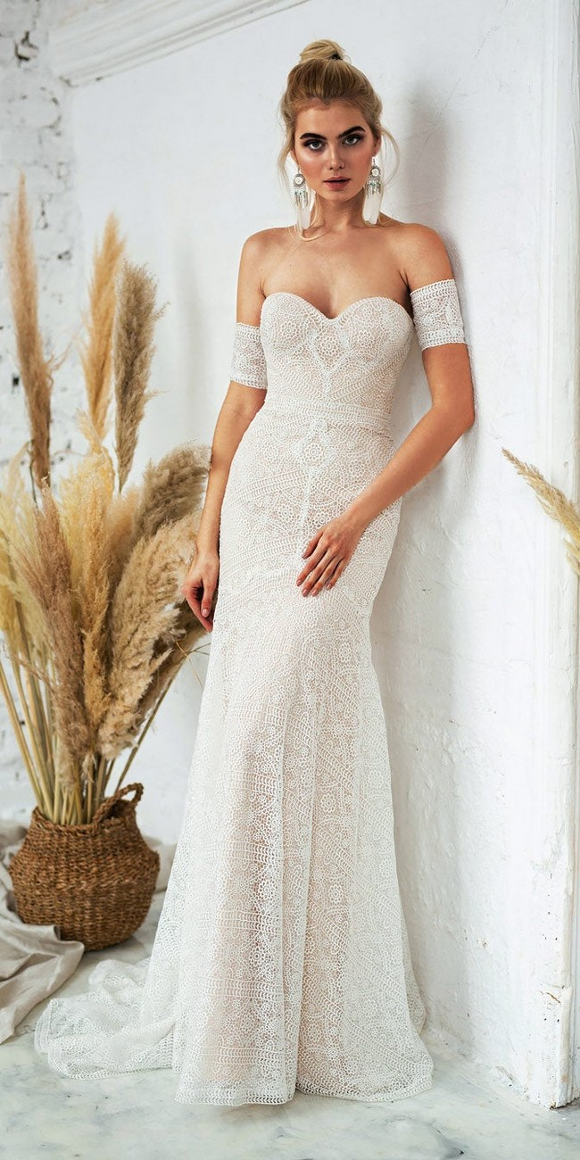 Fit and Flare Bohemin Lace Wedding Dress4