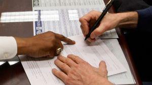 auto-car-loan-sign-dealership
