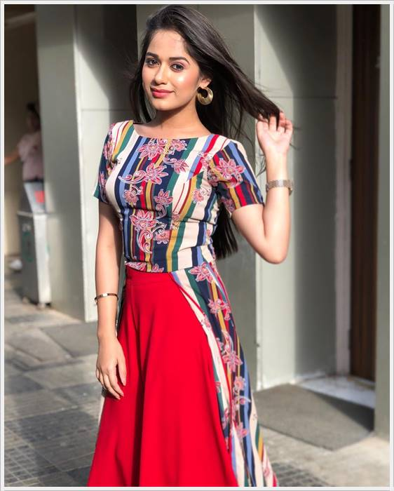 jannat zubair rahmani images in yellow dress