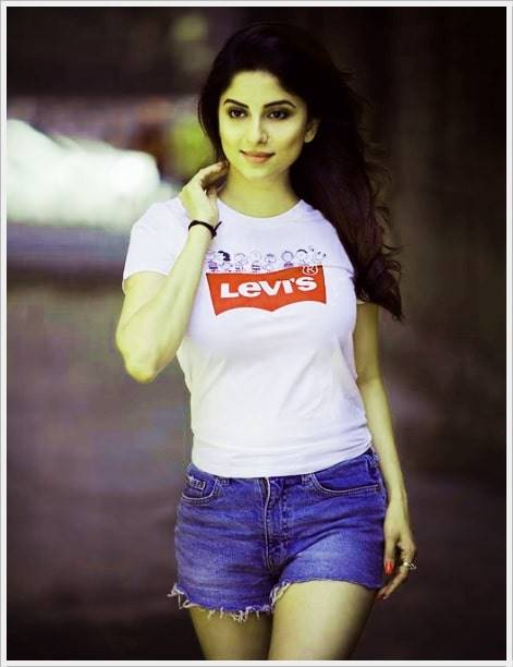 Attitude Girl Dp Images For Whatsapp (49)