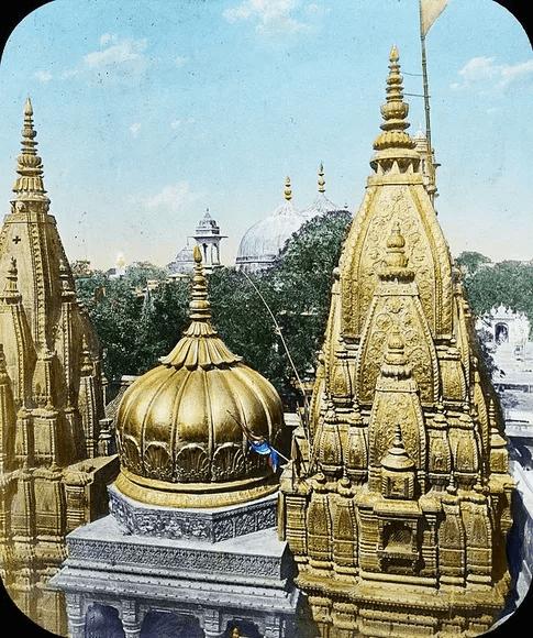 Ahilyabai Holkar restored Kashi Vishwanath temple
