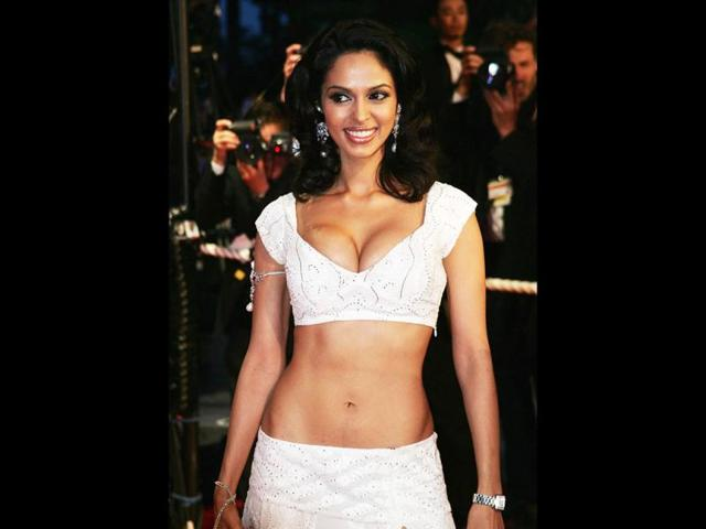 Mallika Sherawat Speaks Of A Director Who Wanted To Put Eggs On Her Navel