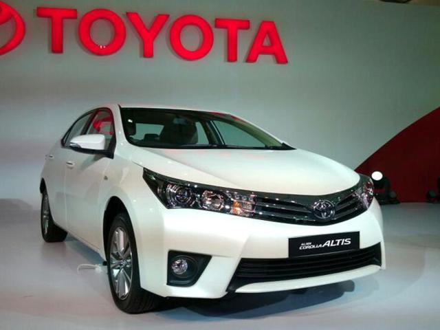 all new corolla altis kijang innova 2019 toyota showcases at expected price of rs 14 18 lakh