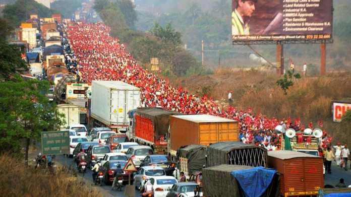 Image result for mumbai farmers rally photos