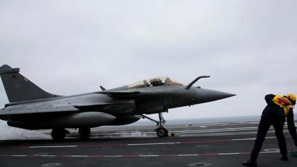 IAF may induct first Rafale fighter in 3rd week of September