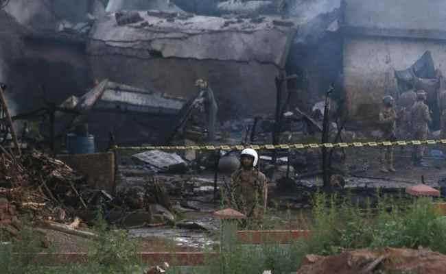 17 Killed As Pakistani Military Plane On Training Flight