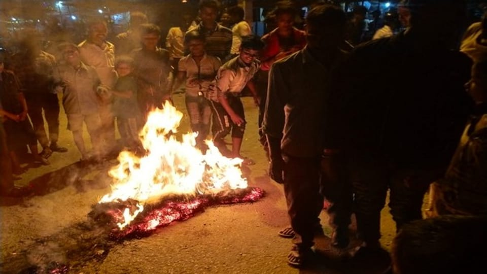 Nepal protesters burn Xi Jinping's effigy in protest against Chinese encroachment