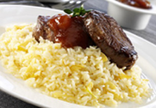 GARLIC BUTTER RICE WITH BEEF MEDALLIONS