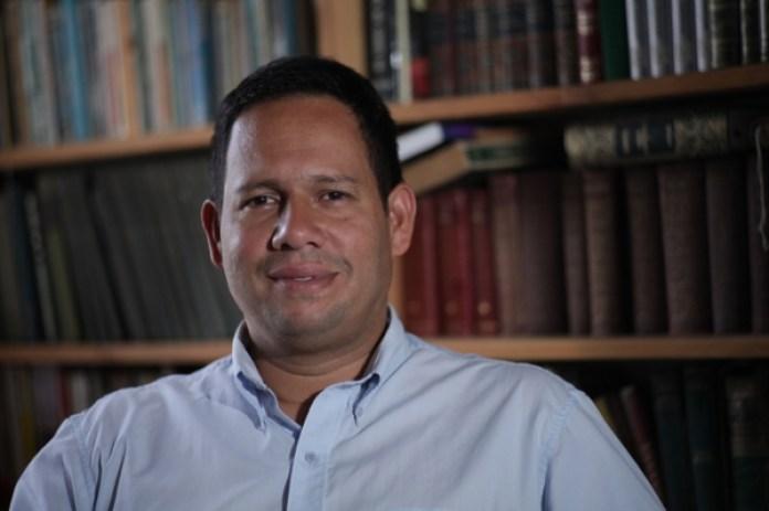 Miguel Jaimes, experto en geopolítica y fundador del diplomado en geopolítica del petróleo
