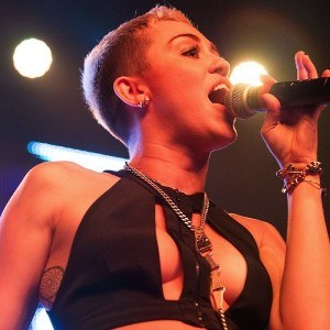 Miley Cyrus Goes Nude for Marc Jacobs Campaign | Hollywood