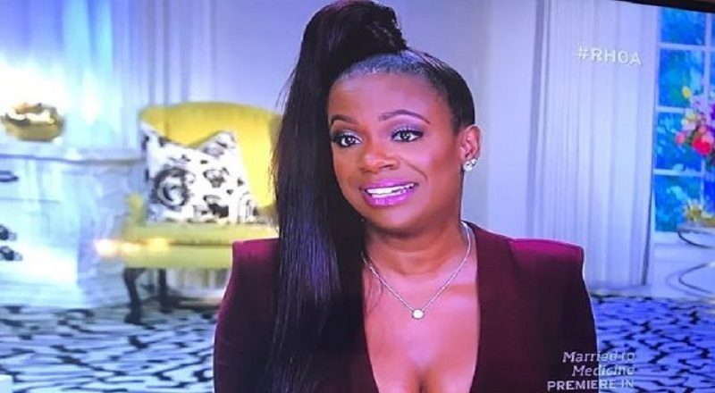 Kandi's ponytail gets clowned by #RHOA fans, as they call