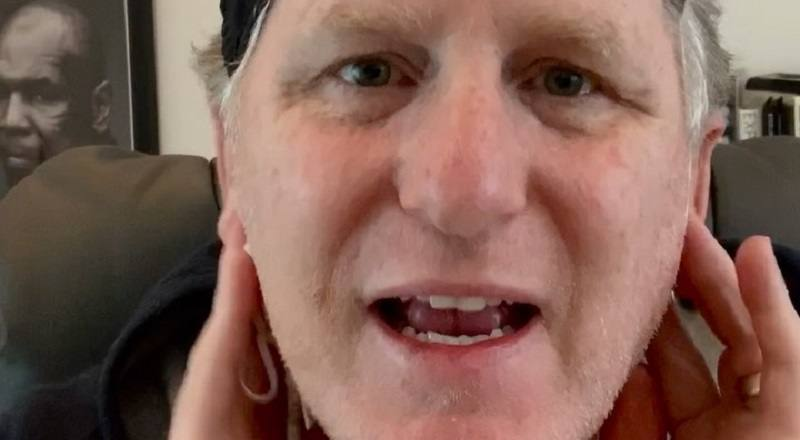 Michael Rapaport claps back at Khloe Kardashian, after she tweeted, calling fans sick for making insults about her, over Tristan Thompson pregnancy rumors. In response to her saying she isn't on social media often, Rapaport said she is with burner accounts. He would go onto tell her to apologize to Jordyn Woods.