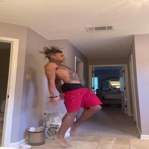 NLE Choppa seizure dance