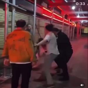 ZAYN fights man in middle of street