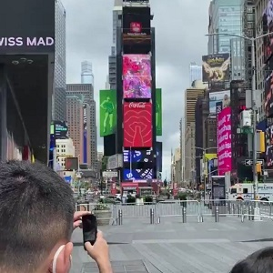 Times Square evacuated after apparent bomb threat