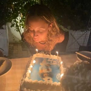 Nicole Richie accidentally set her hair on fire, while blowing out candles on her birthday cake