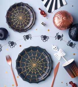 Halloween-knutselen-spook-koekjes-bakken-versiering-griezelige-knutsel-ideeen-kinderen