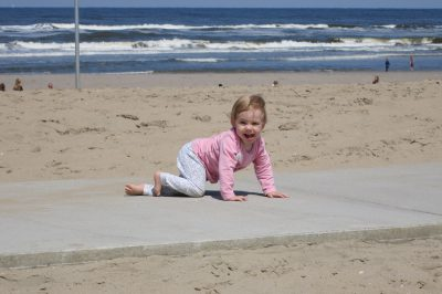 fee op het strand maik 45