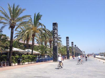 kinderen-op-de-fiets-in-barcelona