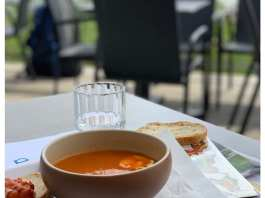 tomaten soep lunch