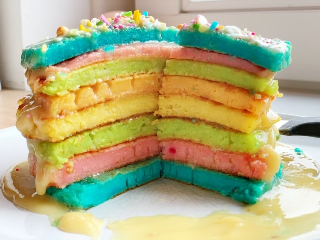 pannenkoek unicorn of regenboog zo maak je de laagjes