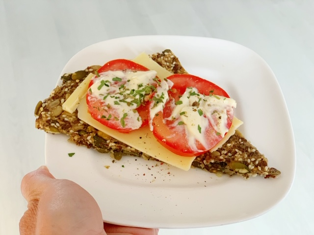 recept koolhydraatarme crackers met kaas