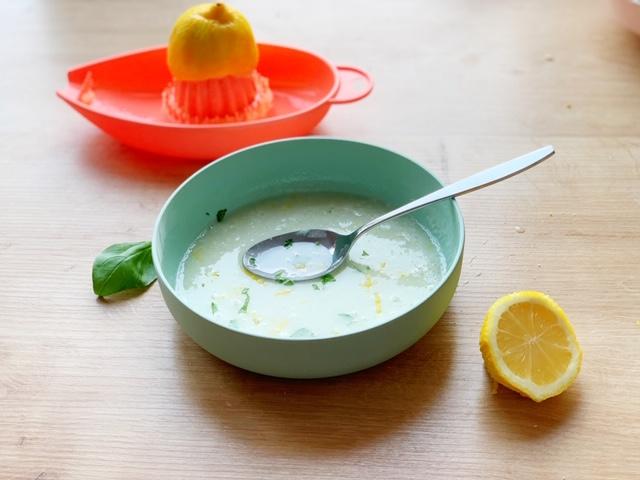 Fluweelzachte citroencake met courgette en avocado glazuur