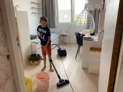 stofzuigen oude kamer lenthe