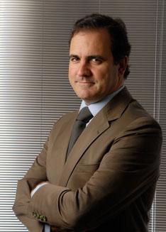 António Pires de Lima (http://www.hipersuper.pt)